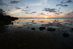 Puesta del sol hermosa en las llaves de la Florida Imagen de archivo libre de regalías