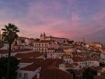 Puesta del sol hermosa en Lisboa imágenes de archivo libres de regalías