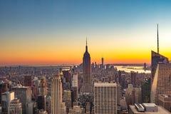 Puesta del sol hermosa en New York City imágenes de archivo libres de regalías