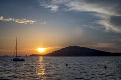 Puesta del sol hermosa en Rogoznica imágenes de archivo libres de regalías