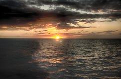 Puesta del sol hermosa en St Lucia Fotografía de archivo libre de regalías