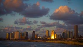 Puesta del sol hermosa en Tel Aviv almacen de video