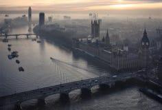 Puesta del sol hermosa sobre Big Ben en Londres Imagen de archivo libre de regalías