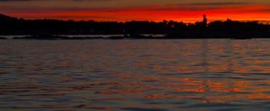 Puesta del sol hermosa sobre el mar adriático, con el cloudscape dramático hermoso Imagenes de archivo