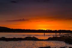 Puesta del sol hermosa sobre el mar adriático, con el cloudscape dramático hermoso Fotos de archivo libres de regalías