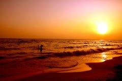 Puesta del sol hermosa sobre la costa mediterránea de Turquía Fotografía de archivo