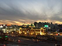 Puesta del sol hermosa sobre Seul Foto de archivo