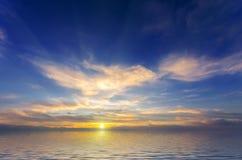 Puesta del sol increíblemente hermosa Fotografía de archivo