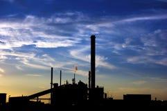 Puesta del sol industrial Imagenes de archivo