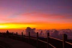 Puesta del sol inolvidable en el volcán de Haleakala Foto de archivo