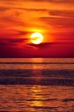 Puesta del sol. Isla de Crete, Grecia. imagen de archivo