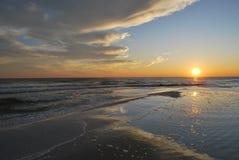 Puesta del sol la Florida Pan Handle de la playa fotografía de archivo