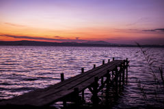 Puesta del sol del lago Bolsena Imagenes de archivo