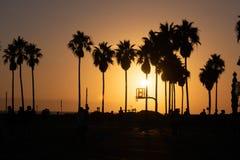 Puesta del sol Los Ángeles de la playa de Venecia fotografía de archivo libre de regalías