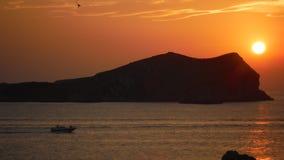 Puesta del sol mágica en la isla Imágenes de archivo libres de regalías