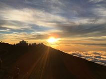 Puesta del sol más allá del horizonte Foto de archivo