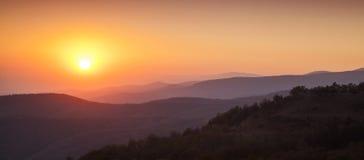 Puesta del sol mística Imágenes de archivo libres de regalías