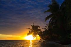 Puesta del sol maldiva Fotos de archivo
