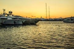 Puesta del sol marina del puerto foto de archivo libre de regalías