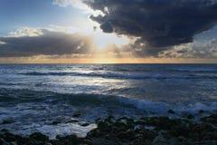 Puesta del sol mediterránea Foto de archivo libre de regalías