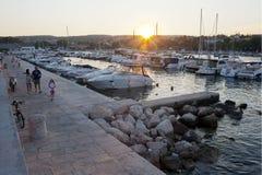 Puesta del sol mediterránea hermosa del paisaje marino Fotografía de archivo