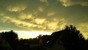 Puesta del sol misteriosa Foto de archivo libre de regalías