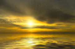 Puesta del sol muy brillante Imagen de archivo libre de regalías
