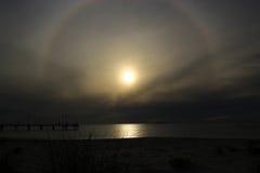 Puesta del sol única Imagen de archivo libre de regalías