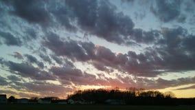 Puesta del sol nublada de la tormenta @ fotos de archivo libres de regalías