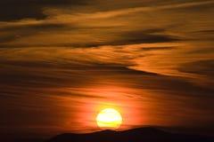 Puesta del sol nublada del verano Imagen de archivo libre de regalías