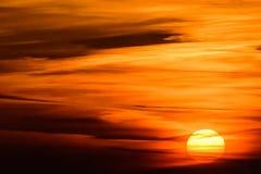 Puesta del sol nublada sobre Ypres - paz alrededor de los battlefileds Imagenes de archivo