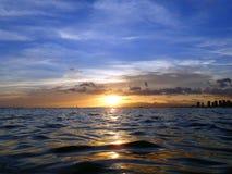 Puesta del sol del océano de Oahu imagen de archivo