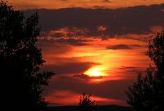 Puesta del sol oscura Foto de archivo libre de regalías