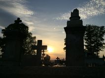 PUESTA DEL SOL OVET LA IGLESIA fotos de archivo libres de regalías