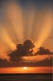 Puesta del sol pacífica (Hawaii) fotografía de archivo libre de regalías