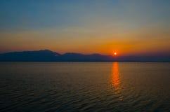 Puesta del sol Phayao Imágenes de archivo libres de regalías
