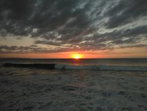 Puesta del sol Playa Rompeolas Aquadillia Puerto Rico imágenes de archivo libres de regalías