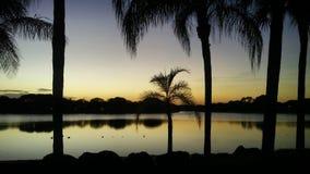 Puesta del sol por el lago en Kendall Imagenes de archivo