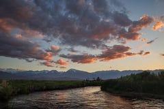Puesta del sol del río de Owens foto de archivo