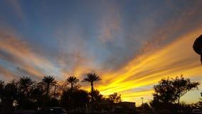 Puesta del sol radiante Foto de archivo libre de regalías