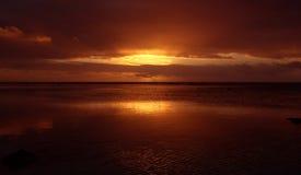 Puesta del sol reflexiva foto de archivo libre de regalías