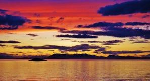 Puesta del sol roja Imagen de archivo