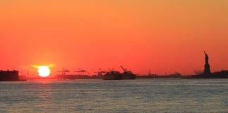 Puesta del sol roja, anaranjada Fotografía de archivo libre de regalías