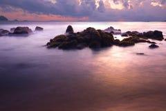 Puesta del sol roja en la playa del payam Fotografía de archivo