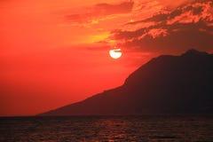 Puesta del sol roja hermosa Fotos de archivo