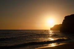 Puesta del sol romántica de la playa Imagenes de archivo