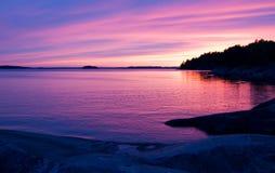 Puesta del sol rosada. Imagen de archivo libre de regalías