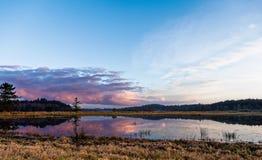 Puesta del sol rosada del cielo foto de archivo libre de regalías