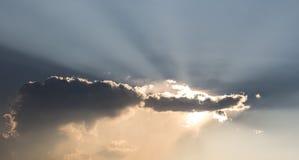 Puesta del sol-salida del sol con la nube Imagen de archivo libre de regalías