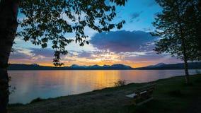 Puesta del sol septentrional de Noruega almacen de metraje de vídeo
